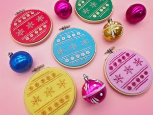 Embroidery hoops with christmas bauble designs